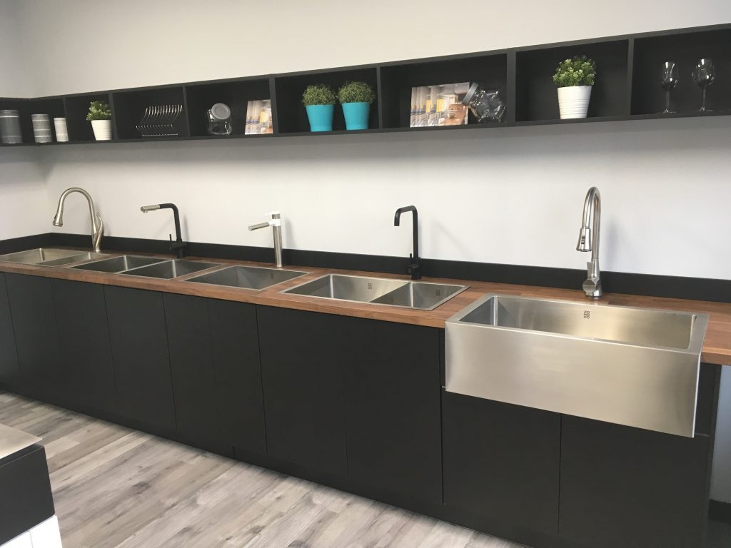 Deccor Zomodo Showroom Kitchen Sink Canada - Zomodo