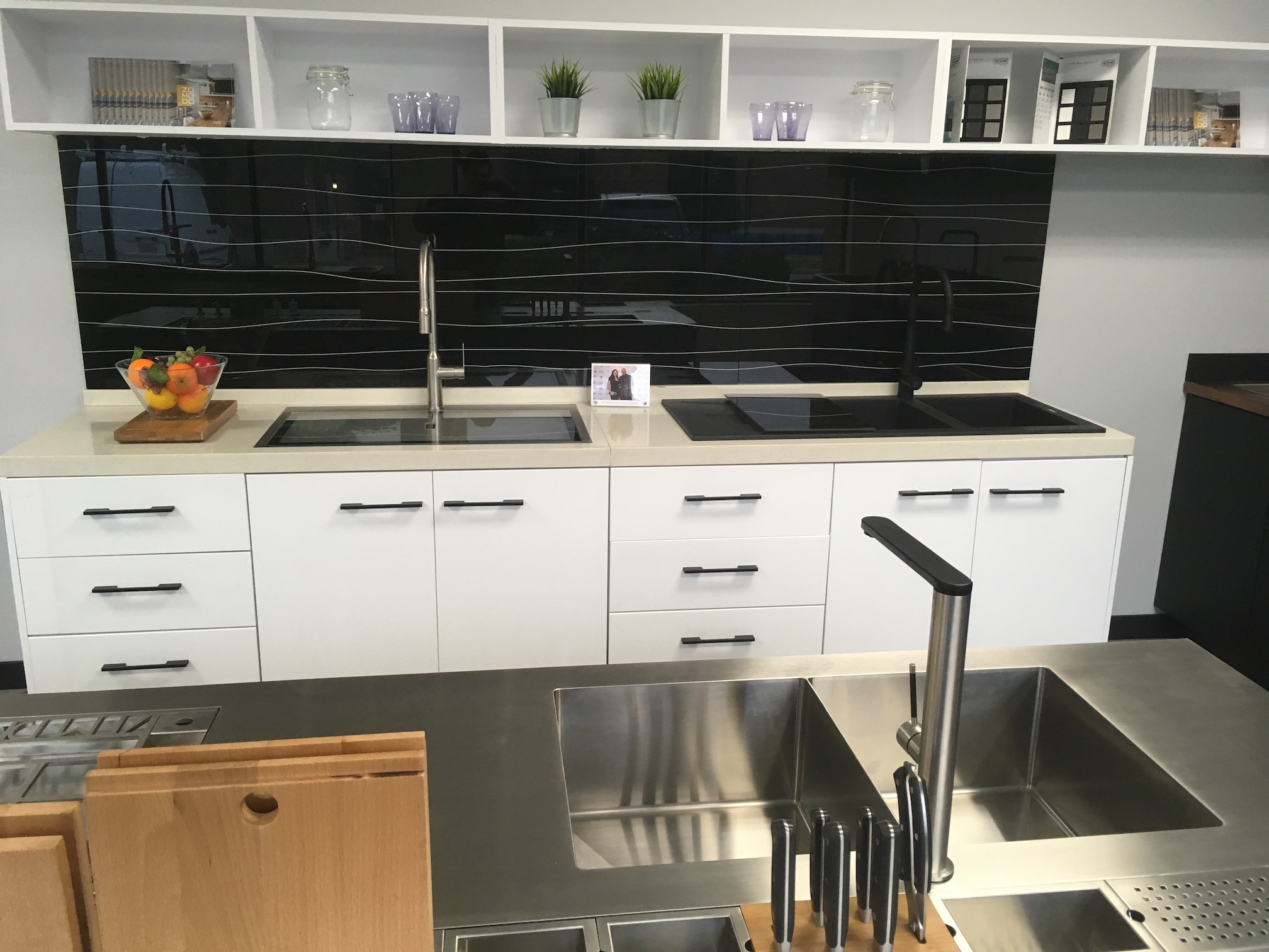 Deccor Zomodo Showroom Canada Kitchen Sink